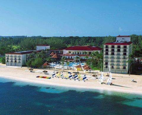 2241284-Breezes-Bahamas-All-Inclusive-Hotel-Exterior-3-DEF